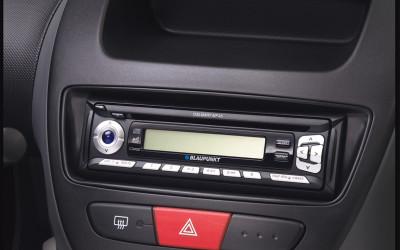 Radioblende zur Nachrüstung von Zub.-Radios