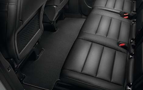 Fußmatte einteilig aus Nadelvlies für 3. Sitzreihe